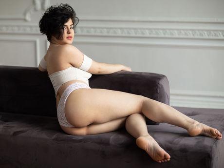 JuliaHella