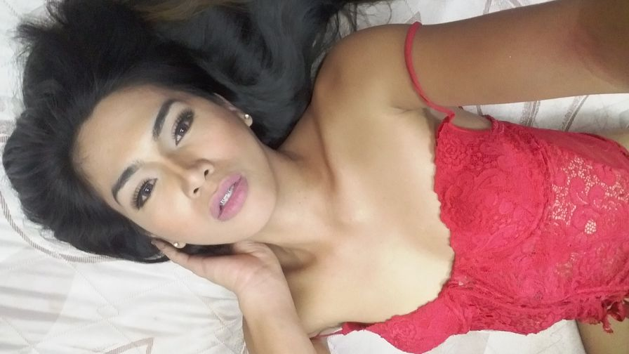 EmeraldLusT | MyTrannyCams