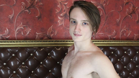 EstebanHandsome | Livecamboys Peterfever