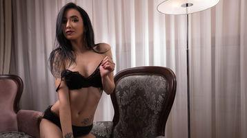 Show-ul fierbinte al lui KatlynLuv – Fata pe Jasmin