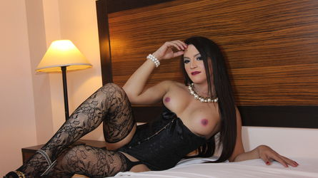 MADAMxDominatrix | MyTrannyCams