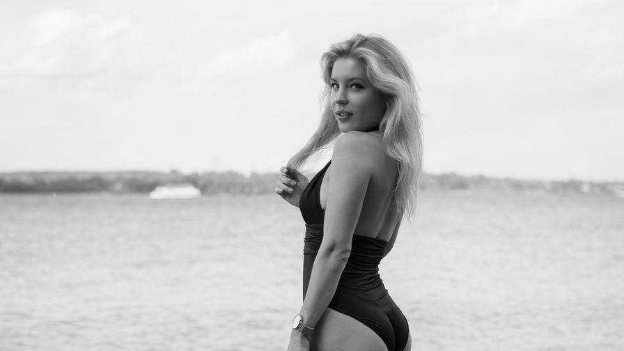 MilaCandyBlonde | Livelady