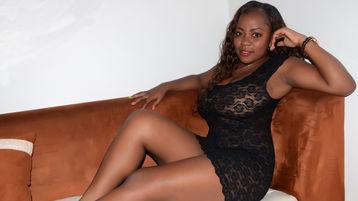 Show-ul fierbinte al lui LoonaHot – Fata pe Jasmin