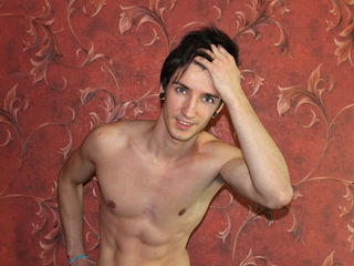 Gay Cam Boy MarshallMyers Hits The Top Spot on Gay Live Chat