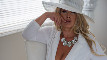 Show-ul fierbinte al lui MerraeDay1 – Fata pe Jasmin