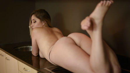 AdeleGorgeousxx | Live-cam-sex-chat