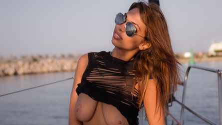 BrielleHot | LiveSexAwards
