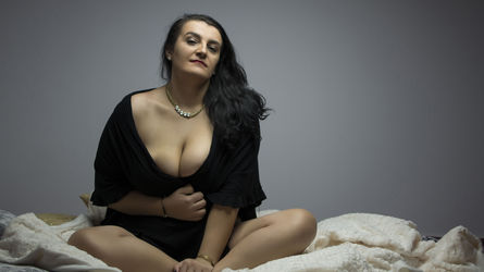 AmiraJasleen | Livelady