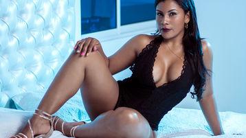 Show-ul fierbinte al lui SilvanaFerrer – Fata pe Jasmin
