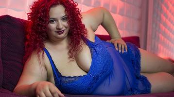 Show-ul fierbinte al lui ElisePasquale – Fata pe Jasmin