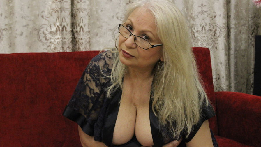 DianaKiss's profile picture – Mature Woman on LiveJasmin