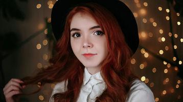 Show-ul fierbinte al lui AlexinaCutieBabe – Fata pe Jasmin