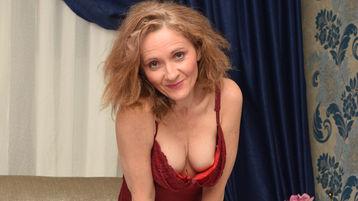 DivineJudys hot webcam show – Modne Kvinder på Jasmin