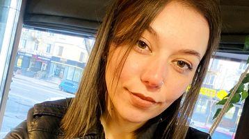 MilaRicci's heiße Webcam Show – Freundschaft auf Jasmin