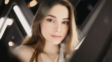 SinthiaAwsomeBB sexy webcam show – Dievča na Jasmin