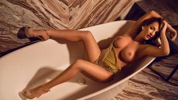 Show fierbinte la webcam SelenaIvy  – Fata pe Jasmin