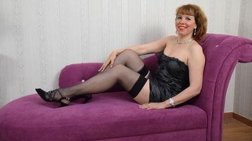 Show fierbinte la webcam DivineFlora  – Femeie Matura pe Jasmin