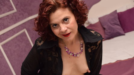 ExquisiteHoiny's profile picture – Mature Woman on LiveJasmin