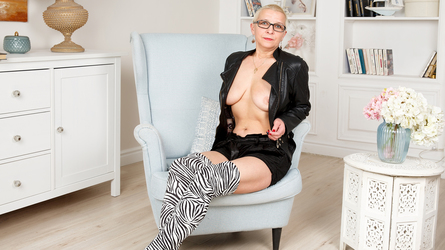 HairyGame's profile picture – Mature Woman on LiveJasmin
