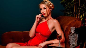 Show fierbinte la webcam AngelaCroft  – Fata pe Jasmin