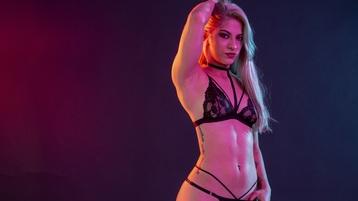Show di sesso su webcam con SarahBlanco – Ragazze su Jasmin