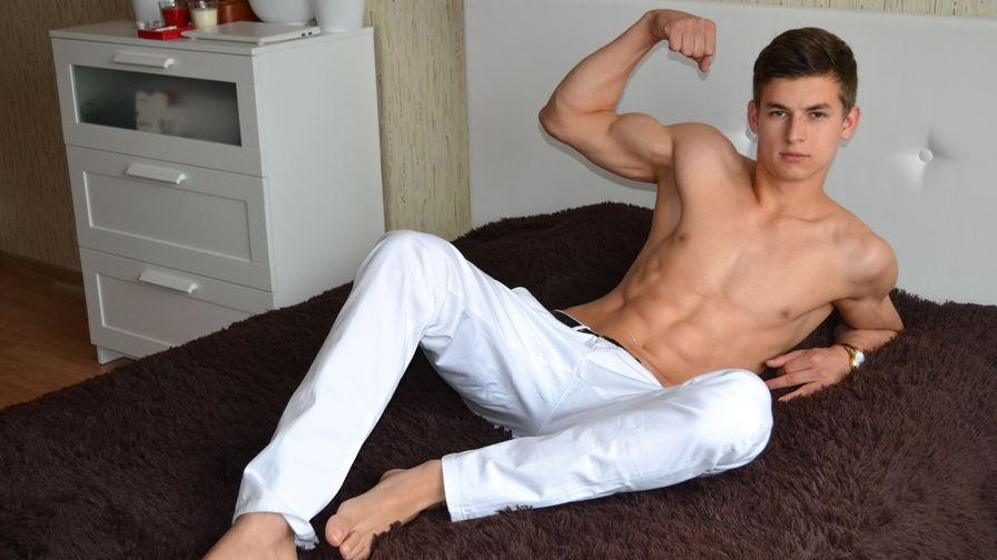 Poza de profil a lui MaxCocky – Homosexual pe LiveJasmin