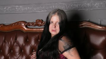 BlackyCat のホットなウェブカムショー – Jasminの熟女