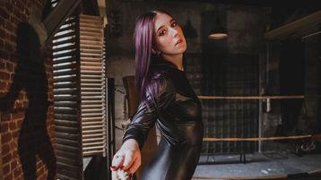 Show fierbinte la webcam AlexaSavage  – Fata pe Jasmin