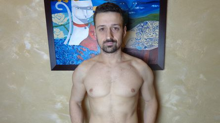 HugeCockGaYY's profile picture – Gay op LiveJasmin