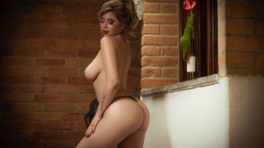 Spectacle webcam chaud de FranchezcaCaruso – Fille sur LiveJasmin