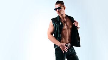 Show fierbinte la webcam RickyRico  – Băiat pentru băiat pe Jasmin