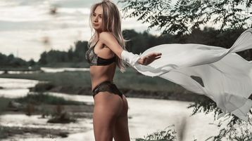 LovelyAnne4you:n kuuma kamera-show – Nainen sivulla Jasmin