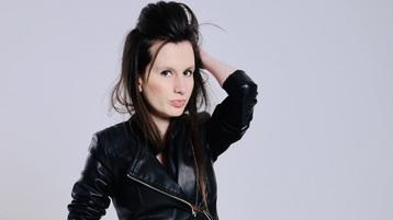 Show fierbinte la webcam kiwiywi  – Fata pe Jasmin