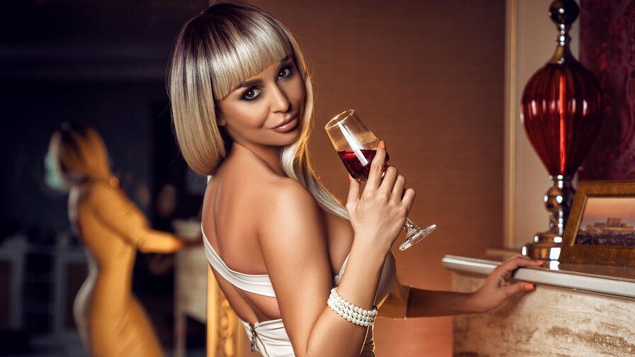 AttractiveReese的个人照片 – LiveJasmin上的女生