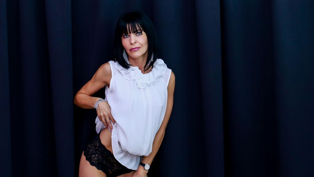 FrancescaAdamy's hot webcam show – Mature Woman on Jasmin