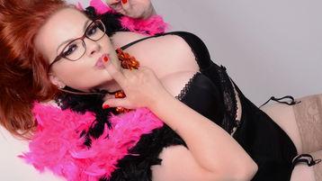 Show fierbinte la webcam curvyPamela  – Femeie Matura pe Jasmin