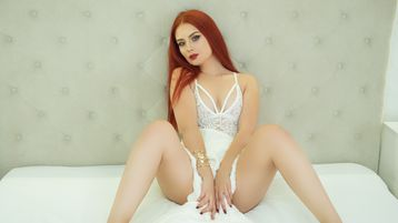 Show fierbinte la webcam MayaArriana  – Fata pe Jasmin