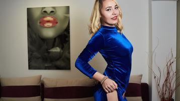 Show fierbinte la webcam IvyPearls  – Fata pe Jasmin