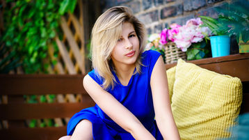 Show fierbinte la webcam Kayci  – Fata pe Jasmin