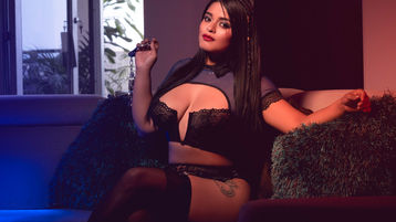 Show fierbinte la webcam DonnyMeloney  – Fata pe Jasmin