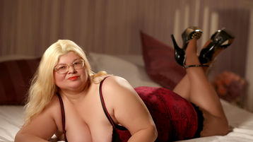 SweetMommaX's hot webcam show – Mature Woman on Jasmin