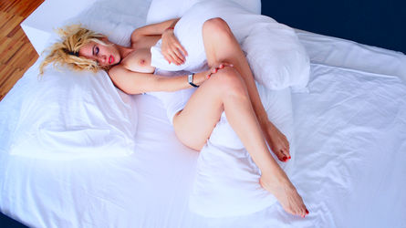 blondecarla's profile picture – Girl on LiveJasmin