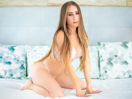 CarolineFoxx