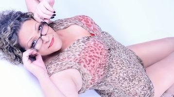 SofiaBBMilf のホットなウェブカムショー – Jasminの熟女