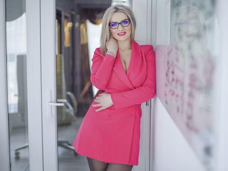 AmiraBecky