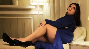 Show fierbinte la webcam TinaGareth  – Fata pe Jasmin