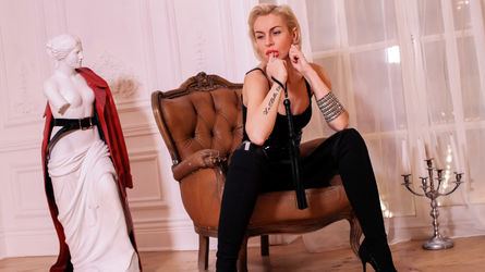 JuliaBlos